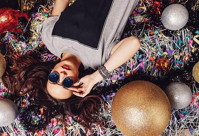 Bedrijfsfeestdokter feestthema glitter glamour